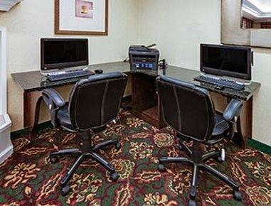 Hawthorn Suites By Wyndham Dearborn/Detroit MI - Business Center