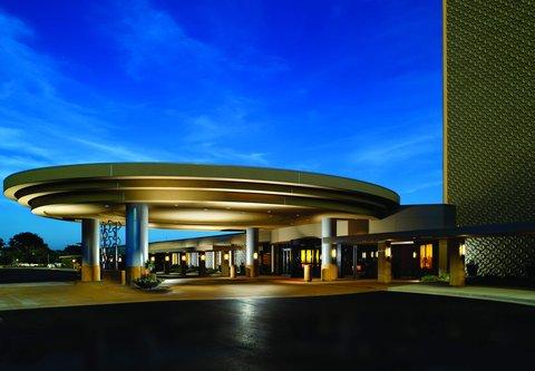 Chicago Marriott O'Hare Hotel - Porte-Cochere