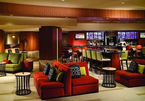 Chicago Marriott O'Hare Hotel - Lobby Sitting Area