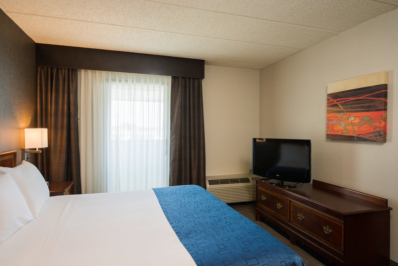 Holiday Inn Express Hotel & Suites King of Prussia 套间