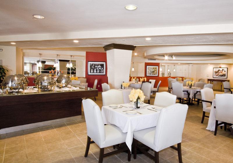 Deauville Beach Resort Miami Restaurants