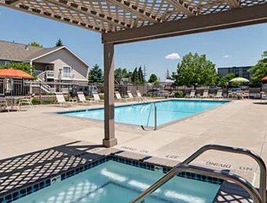 Hawthorn Suites By Wyndham Dearborn/Detroit MI - Pool