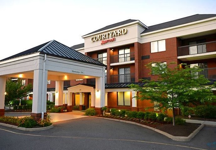 COURTYARD YORKTOWN MARRIOTT