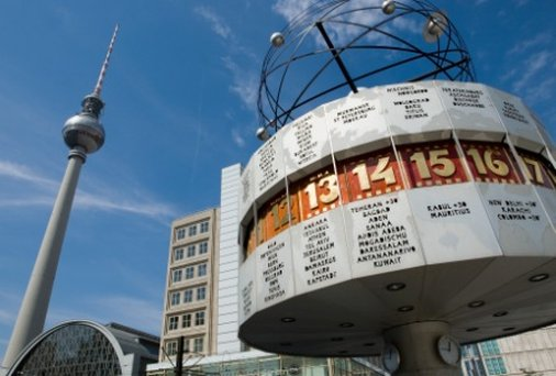 Hotel Hampton by Hilton Berlin City West World Time Clock & TV-Tower