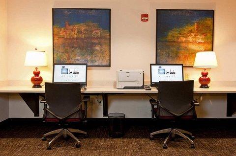 Hampton Inn - Suites Nashville-Vanderbilt-Elliston Place - Business Center