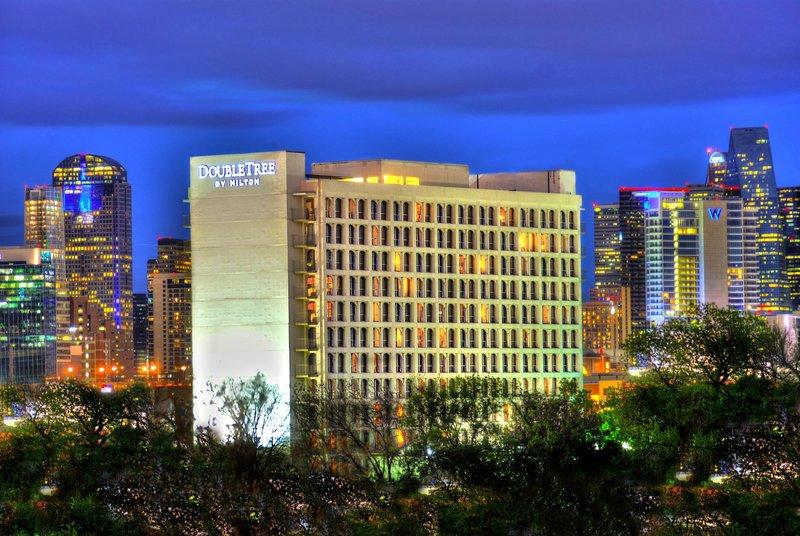 Doubletree Hotel Dallas Market Center Ulkonäkymä