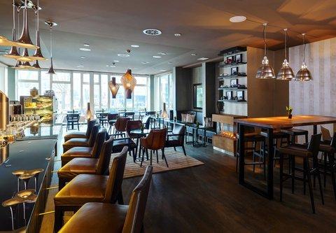 Frankfurt Marriott Hotel - CROSS   Bar