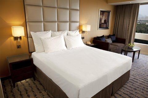هيلتون العين - King Hilton Deluxe Room