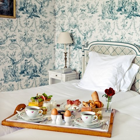 Chateau des Vigiers - Breakfast in a Deluxe Ch teau room