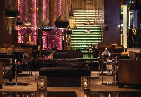 Renaissance Bangkok Ratchaprasong Hotel - Lobby Sitting Area
