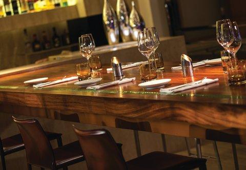 Renaissance Bangkok Ratchaprasong Hotel - La Tavola   Wine Bar