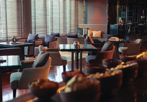 Renaissance Bangkok Ratchaprasong Hotel - Club Lounge - Dining Area