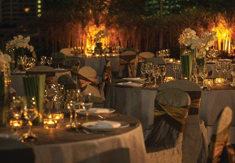 Renaissance Bangkok Ratchaprasong Hotel - Outdoor Garden