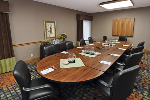 Hampton Inn Hagerstown - Maugansville - Executive Boardroom