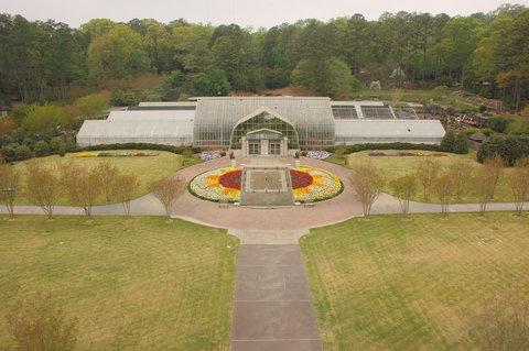 Microtel Inn & Suites by Wyndham Gardendale - Birmingham Botanical Gardens