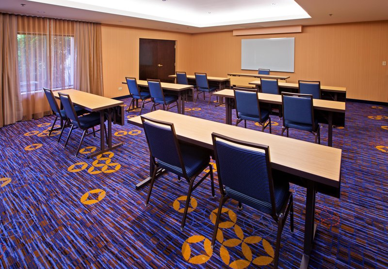 Courtyard Chicago by Marriott Midway Airport Sala de conferencias