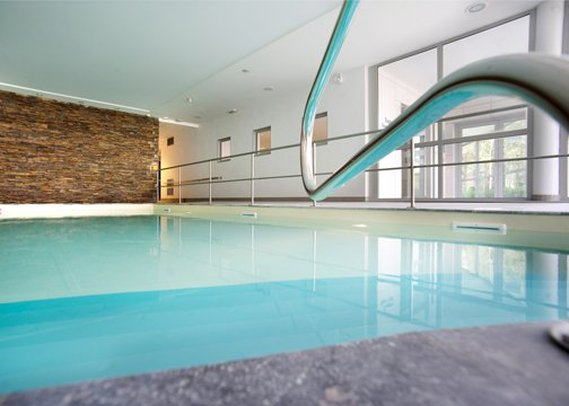 Clarion Hotel Chateau Belmont Poolansicht