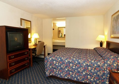 Quality Inn Crestview - FLRodeway Inn King Room
