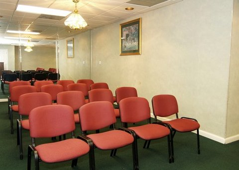 Quality Inn Crestview - FLRodeway Inn Meeting Room
