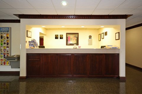 BEST WESTERN Big Spring Lodge - Front Desk
