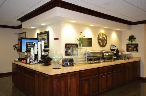 BEST WESTERN Big Spring Lodge - Breakfast Buffet