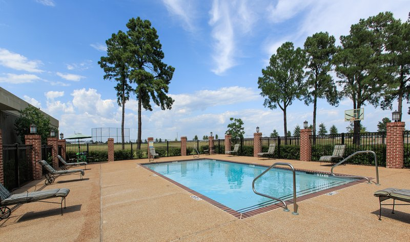 Whispering Woods Hotel - Olive Branch, MS