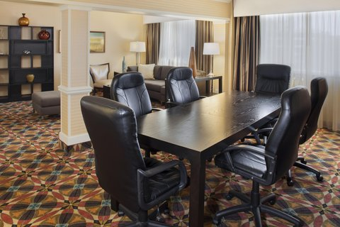 DoubleTree by Hilton Atlanta North Druid Hills/Emory Area - 8th Floor Lounge Conference Area