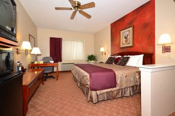 Best Western Plus Northwest Inn & Suites - Room