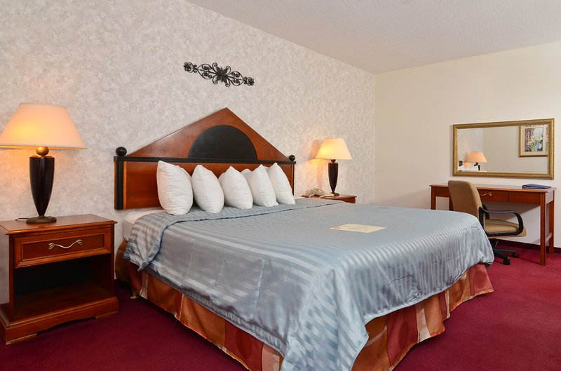 Americas Best Value Inn - Quincy, IL