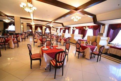Salyut Hotel - Restaurant Voyage