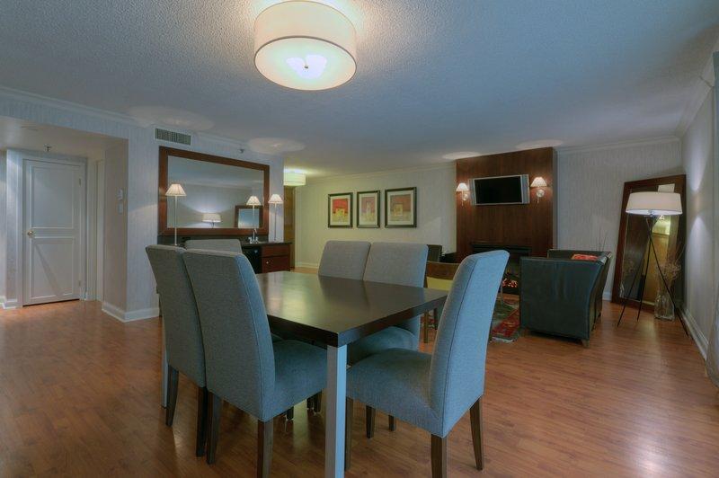 Radisson Hotel Admiral Toronto-Harbourfront 套间