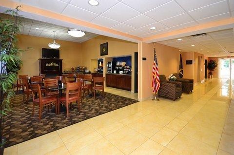 Best Western Concord Inn & Suites - Lobby