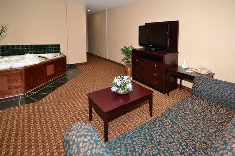 Best Western Concord Inn & Suites - Jacuzzi Suite