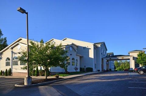 Best Western Concord Inn & Suites - Exterior