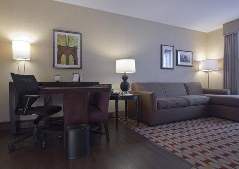 Embassy Suites Columbus - Airport - Living Room