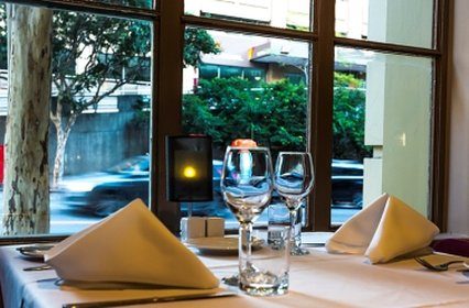 Rendezvous Hotel Brisbane Anzac Square - Hotel Restaurant Berkley on Ann