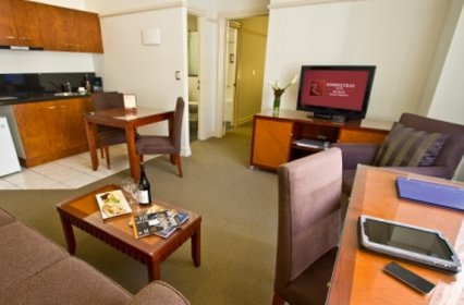 Rendezvous Hotel Brisbane Anzac Square - One Bedroom Apartment Living Area