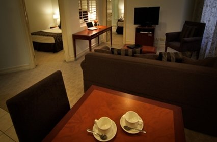 Rendezvous Hotel Brisbane Anzac Square - Two Bedroom Apartment Living Area
