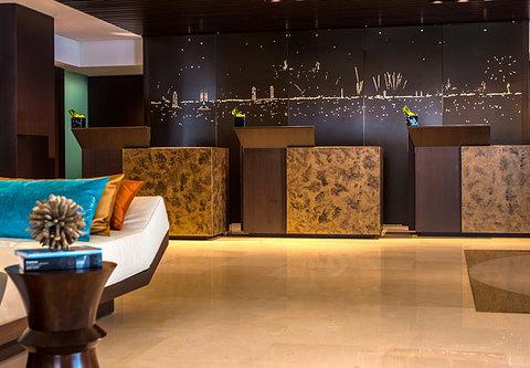 Renaissance Barcelona Hotel - Front Desk