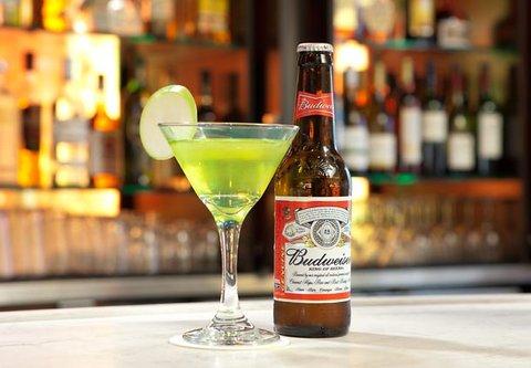 Courtyard Bakersfield - The Bistro Bar