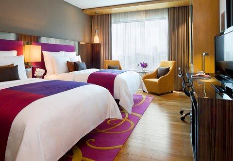 Renaissance Bangkok Ratchaprasong Hotel - Deluxe Twin Guest Room