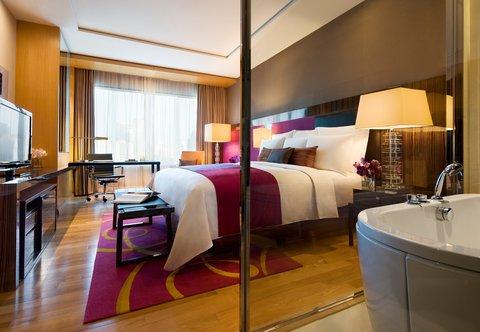 Renaissance Bangkok Ratchaprasong Hotel - Deluxe King Guest Room