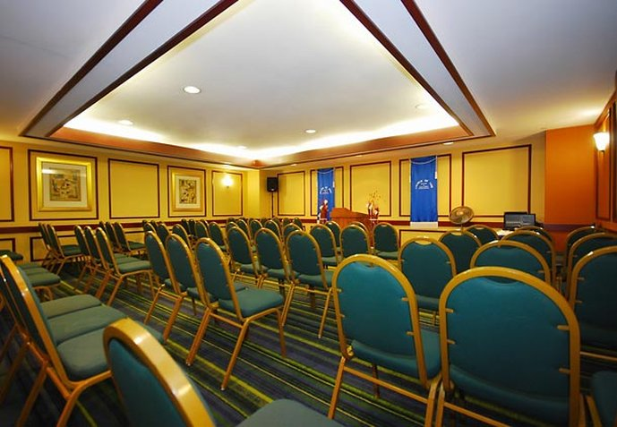Fairfield Inn & Suites Boston North Meeting room