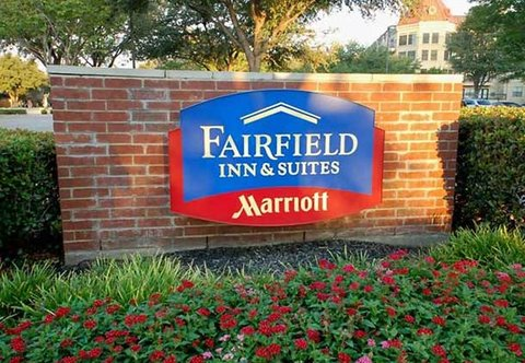 Fairfield Inn & Suites Dallas North by the Galleria - Entrance