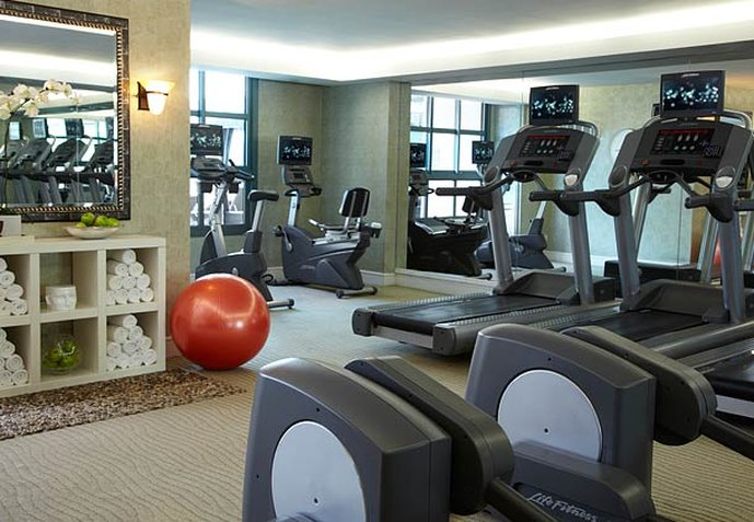 Renaissance Los Angeles Airport Hotel Fitness Club