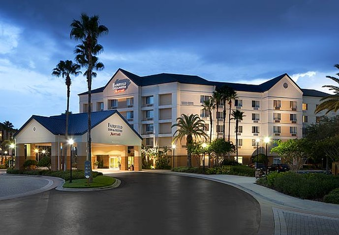 Fairfield Inn & Suites Orlando Lake Buena Vista in the Marriott Village Vista exterior