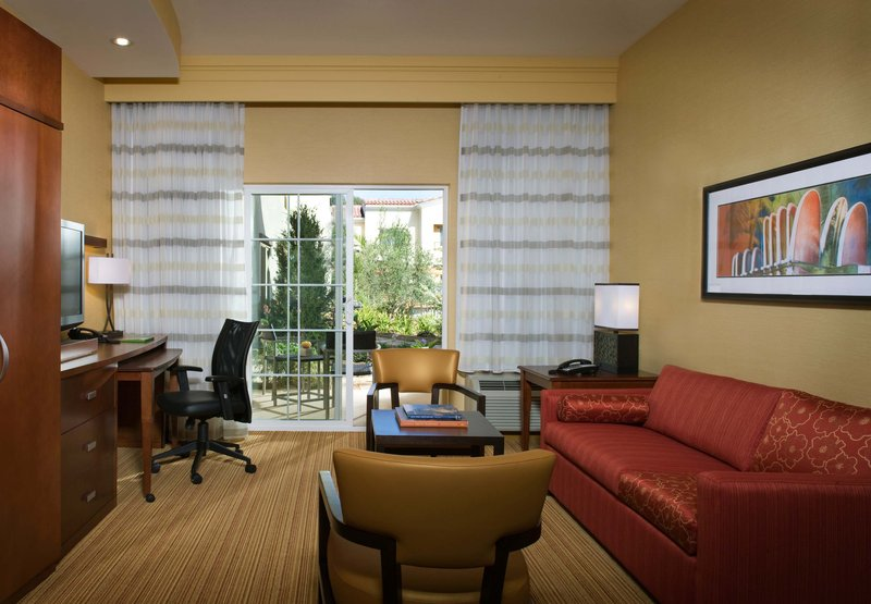 Courtyard By Marriott Santa Barbara Goleta