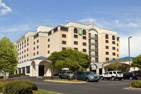 Embassy Suites Columbia - Greystone - Exterior by Day