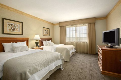 Embassy Suites Columbia - Greystone - Double Beds Bedroom
