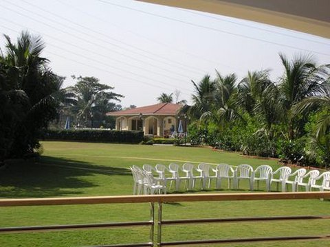 The Residence Hotel and Apartments - Lawn